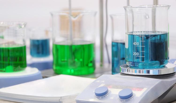 Nuovi packaging e strumentazione per farmacisti preparatori